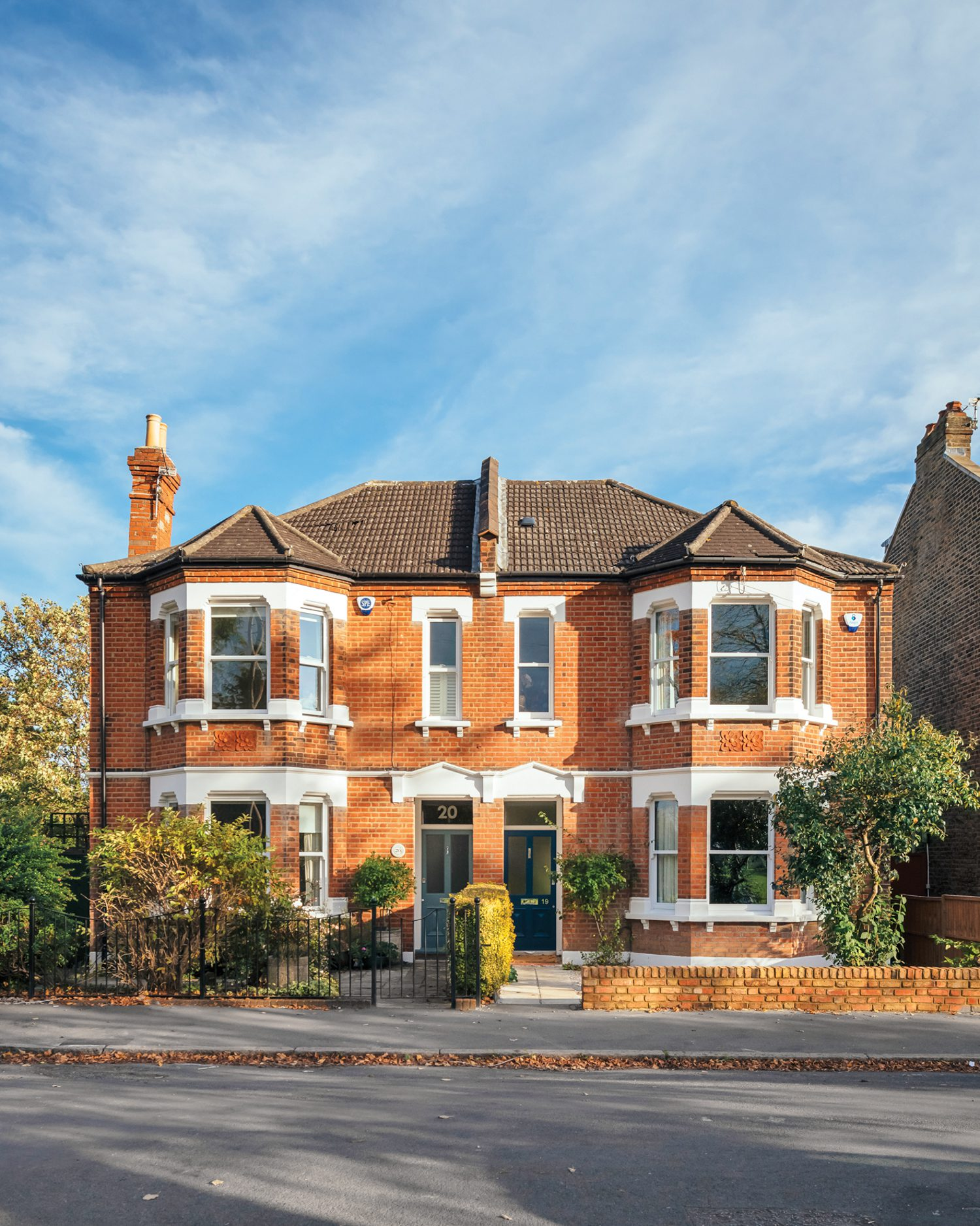 The semidetached brick house, located in London's Sydenham neighborhood, dates to the Edwardian era.