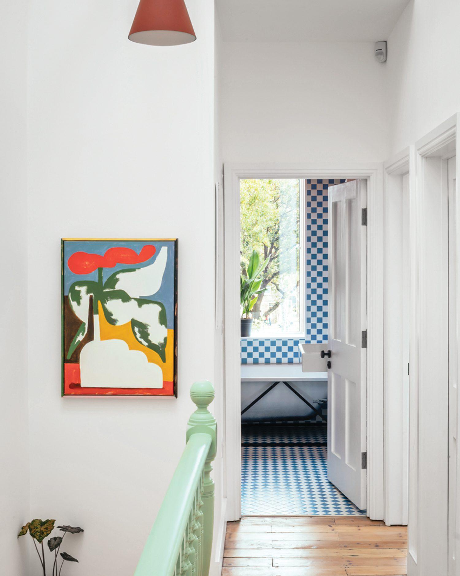 The upper-level hall boasts an acrylic on canvas by Jordy van den Nieuwendijk.