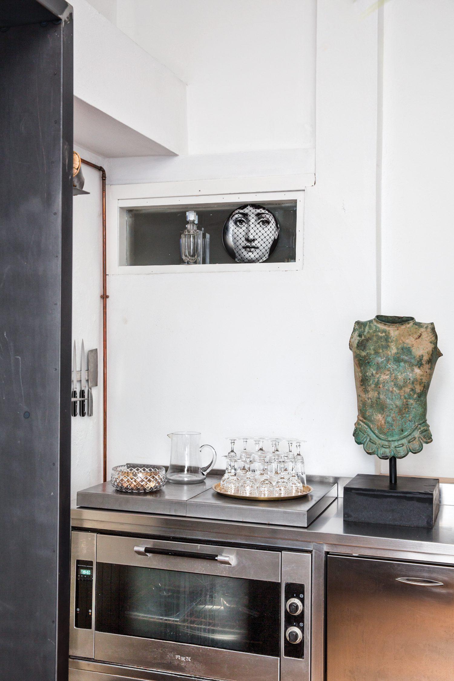 Tommaso Spinzi Milan Apartment kitchen view