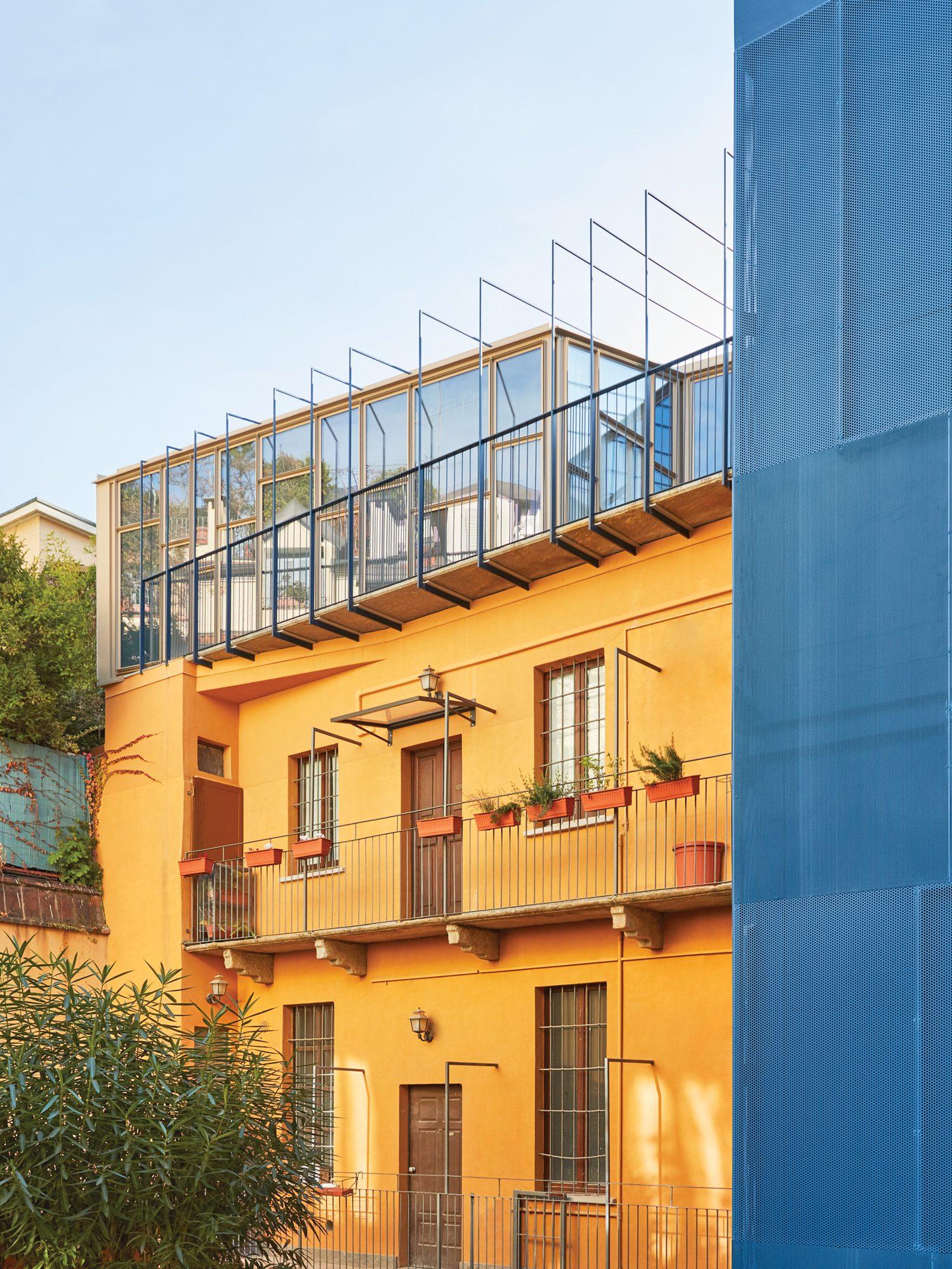 Milan home by Itch Società d'Architettura.