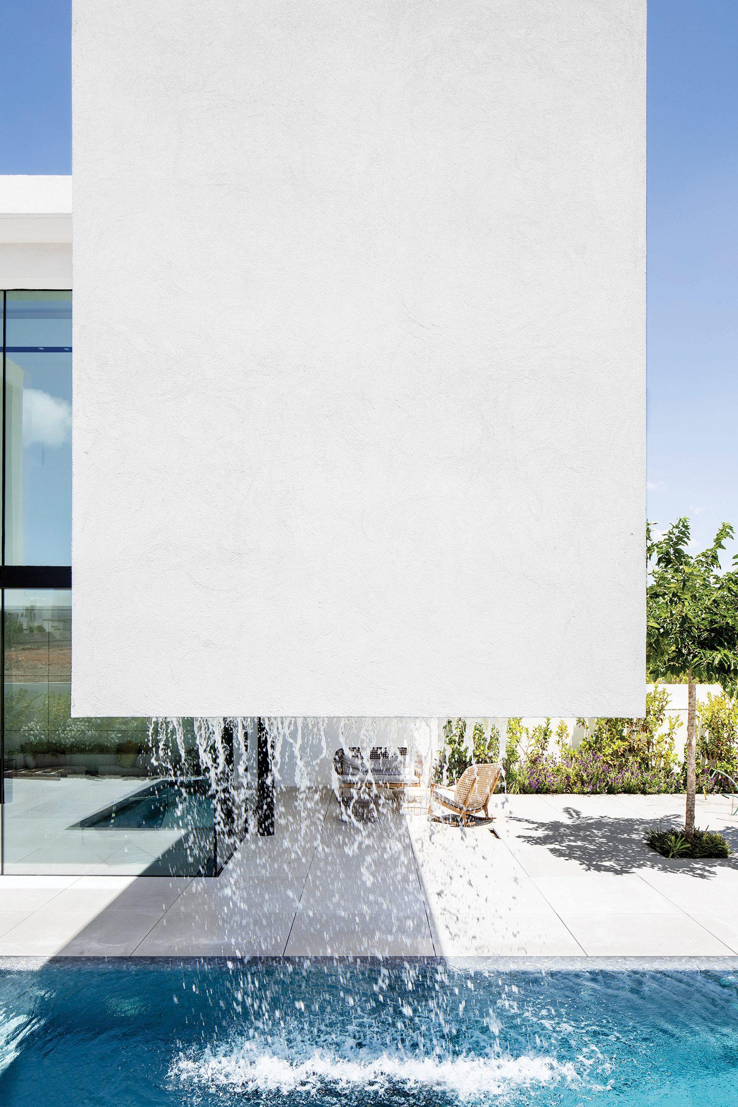Hod Hasharon, Israel residence by Raz Melamed Architect