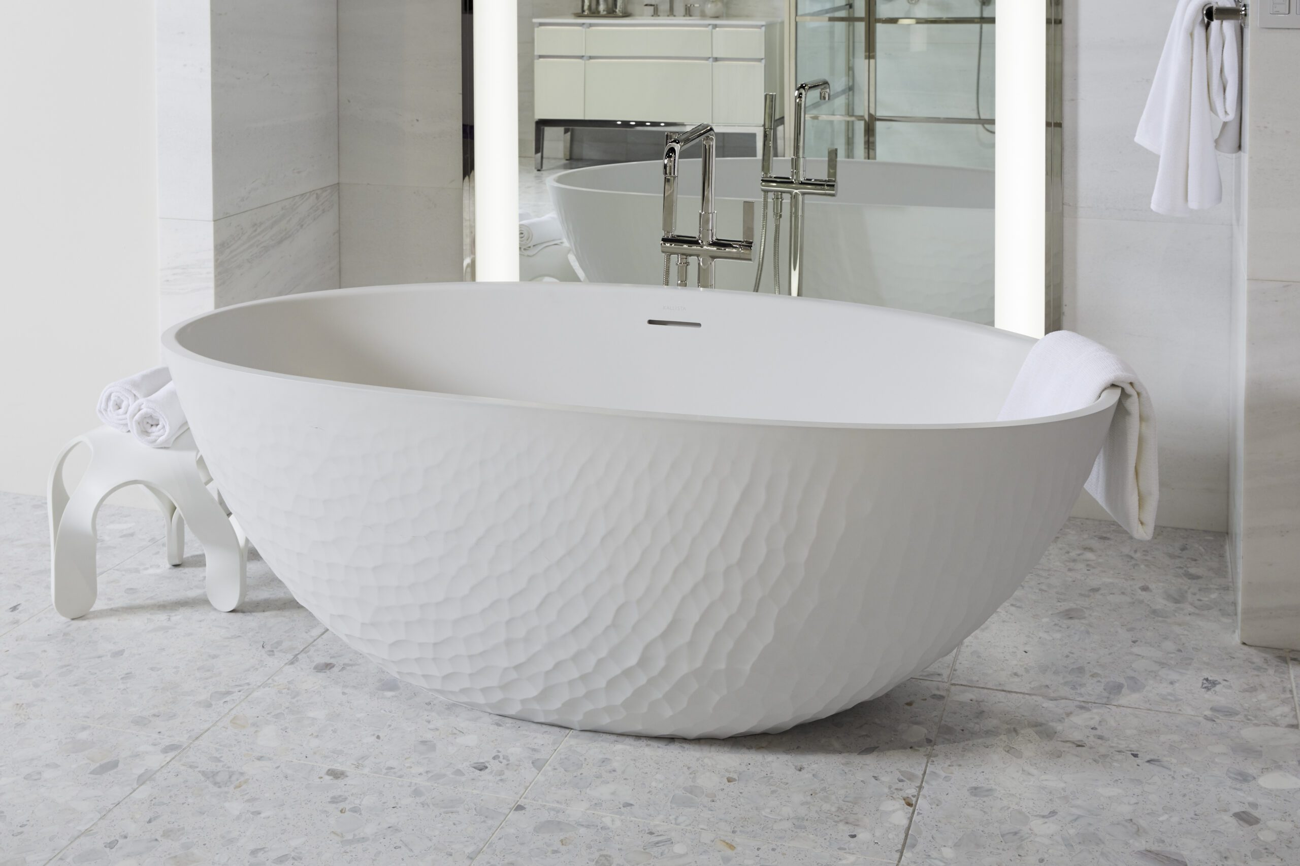 Argile Freestanding Bathtub