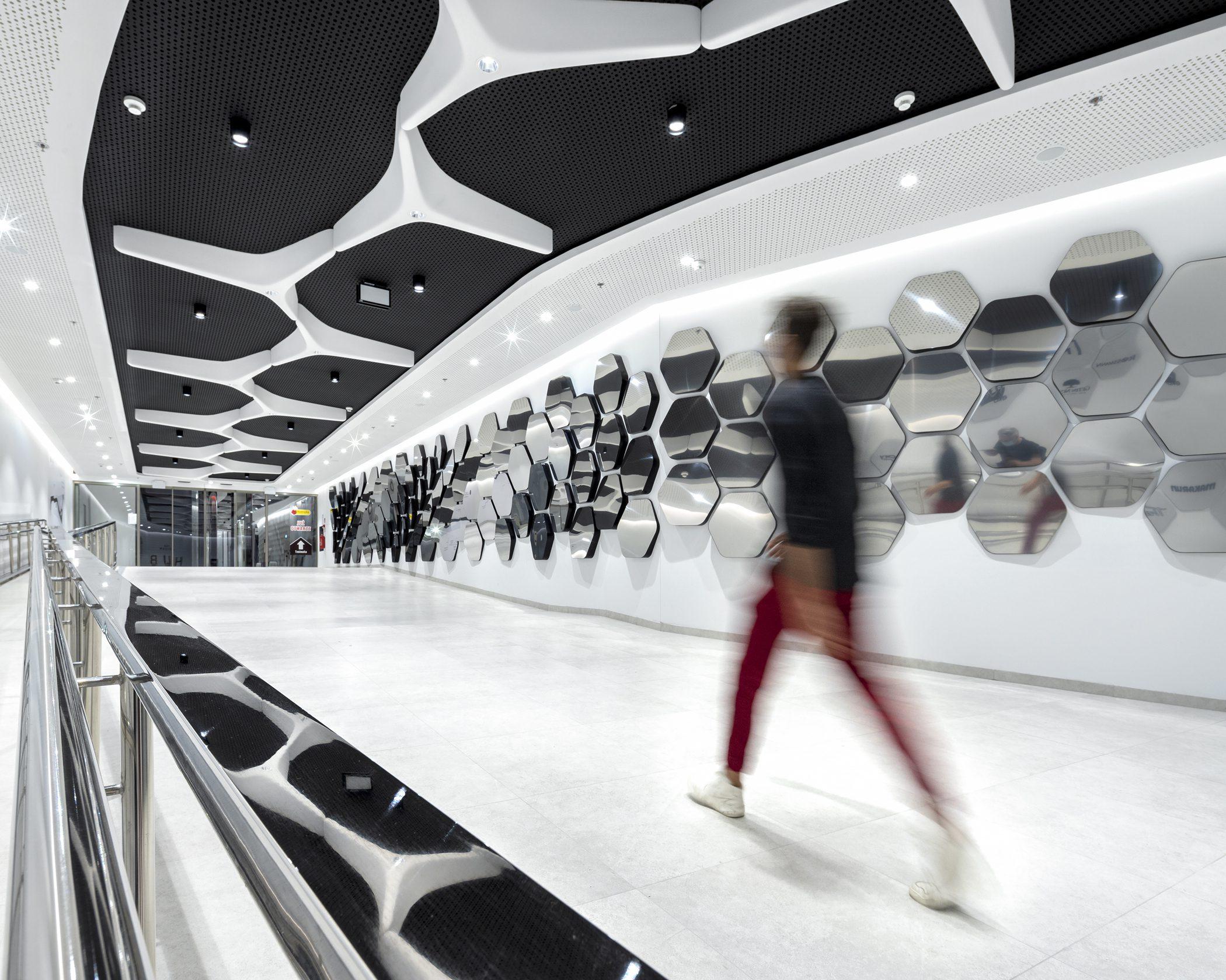 Hub Shopping Center