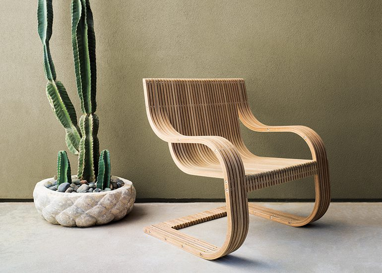 Continuous Line Lounge Chair by SheltonMindel