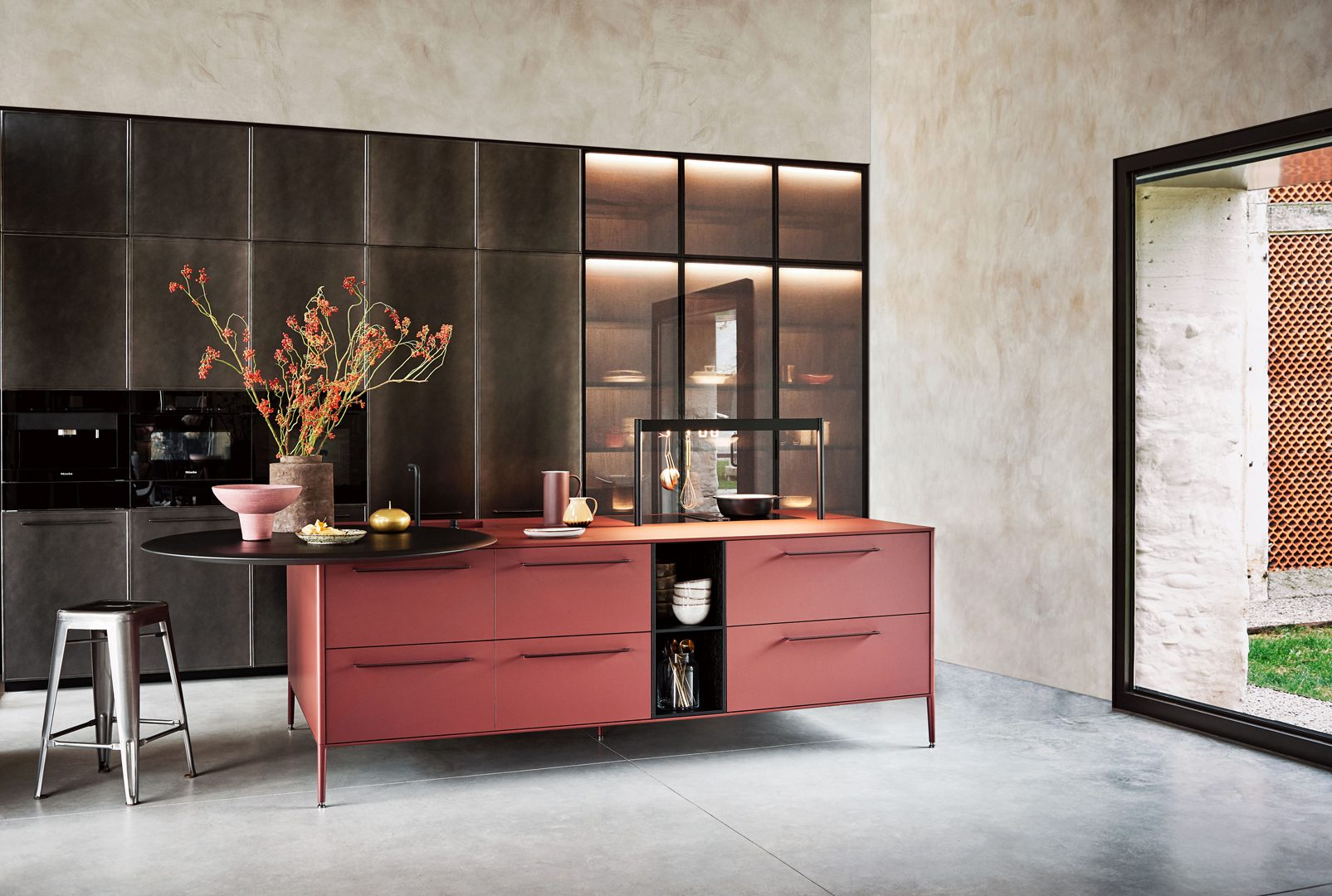 Cesar Unit Kitchen in Rosso Jaipur Fenix Laminate and Metallic Effect Lacquer