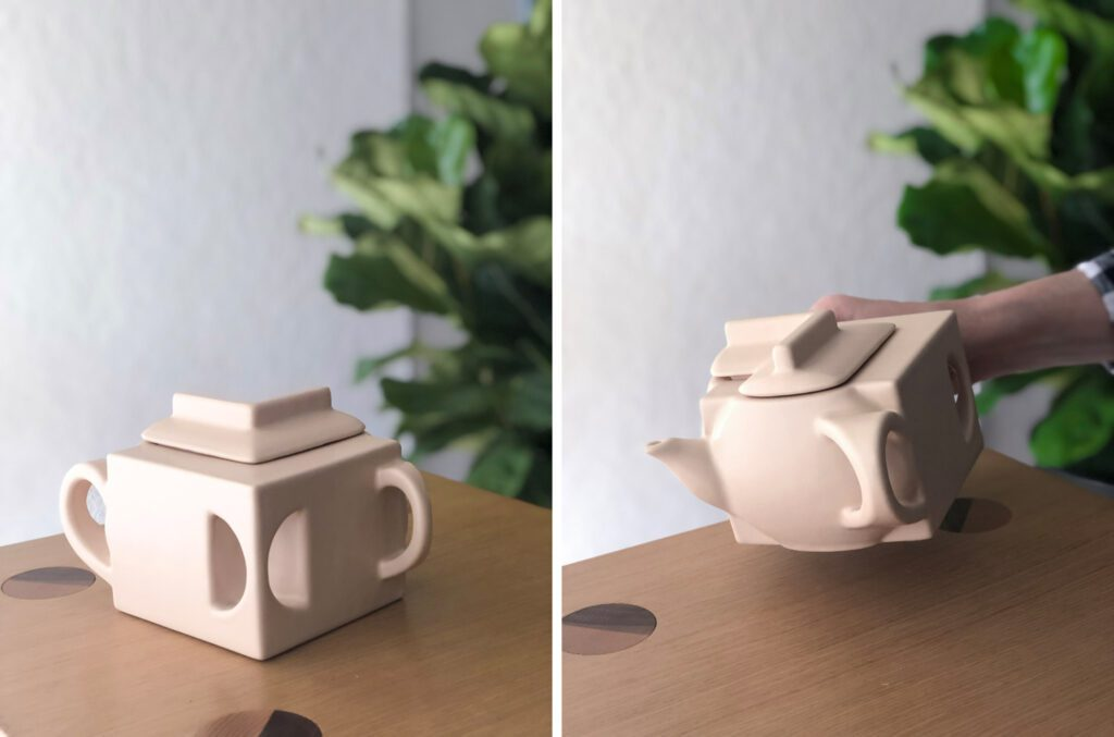Teapot 2D, a 3D-printed ceramic teapot by French 2D. Photography © French 2D