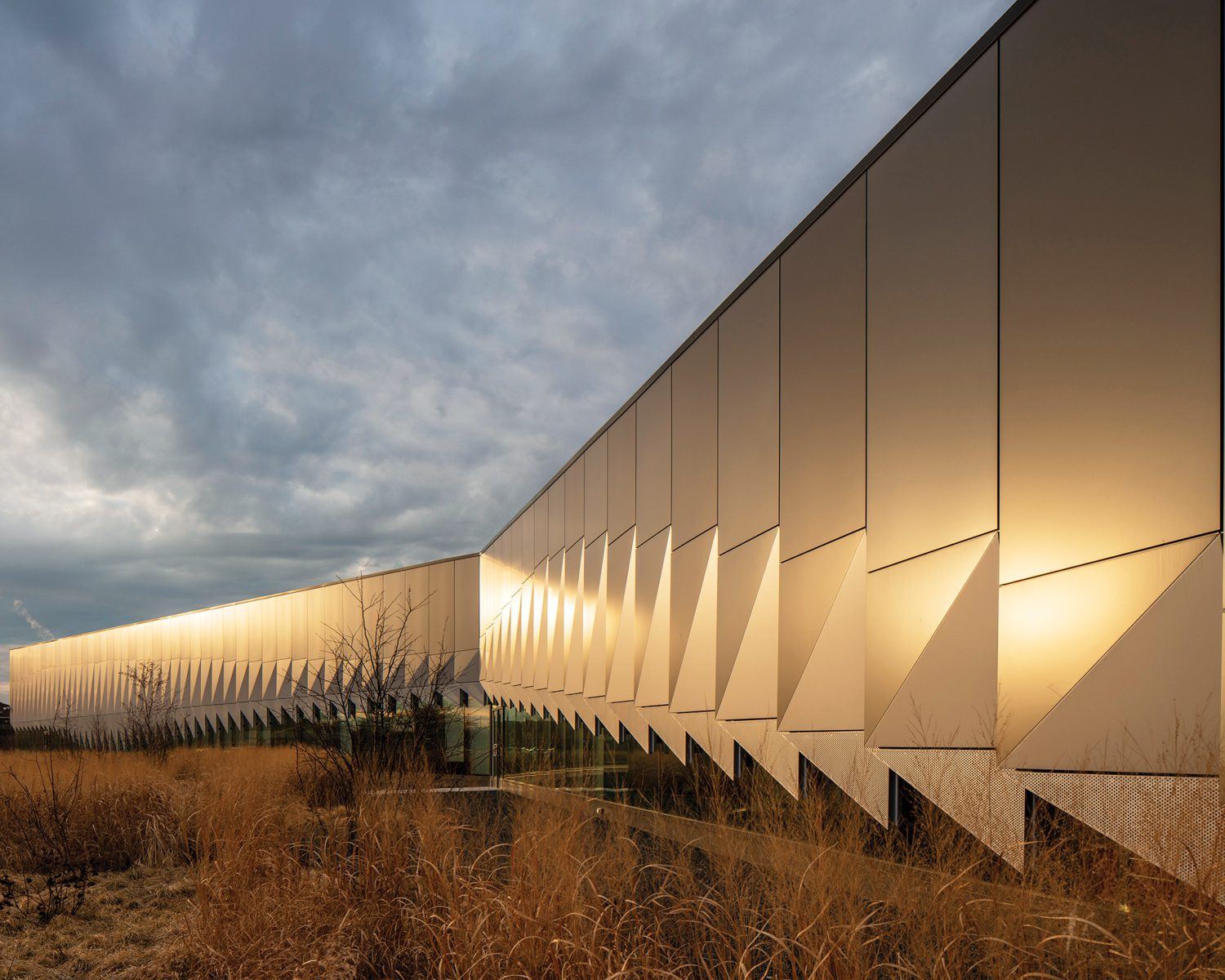 Exterior of Daley College Manufacturing Technology & Engineering Center, Chicago, by JGMA.