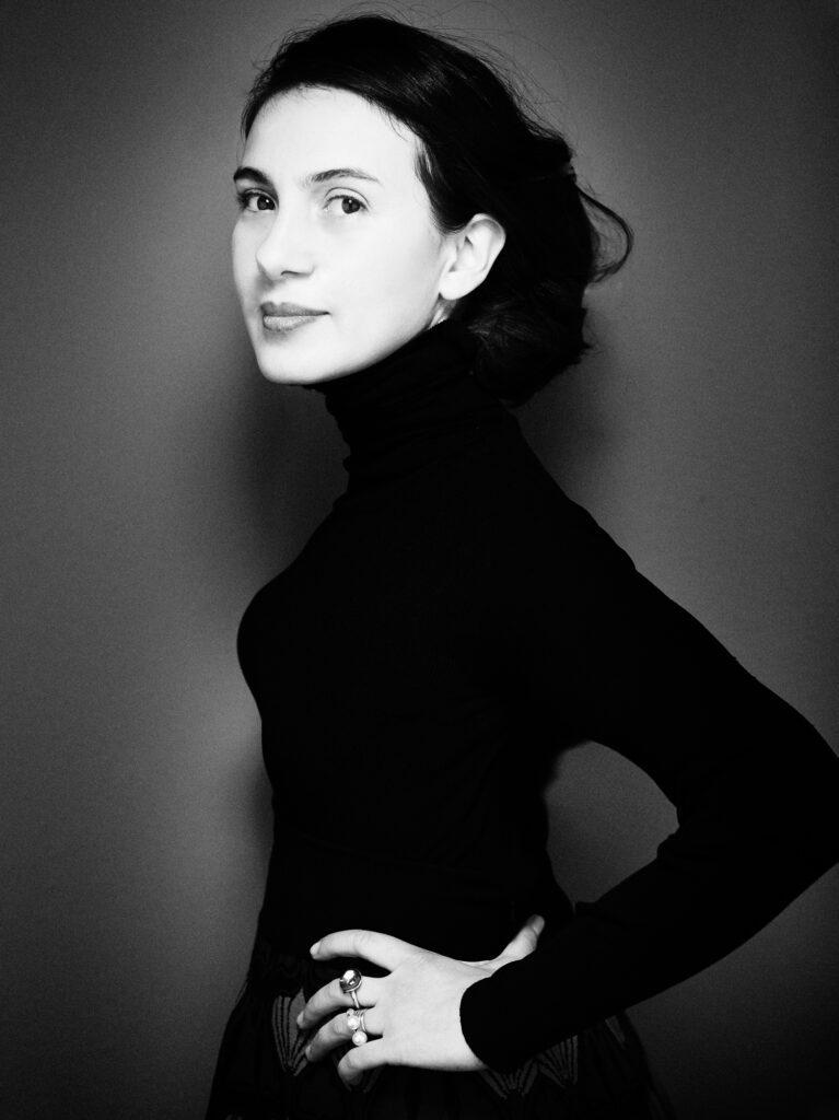 Maria Porro portrait in black and white.