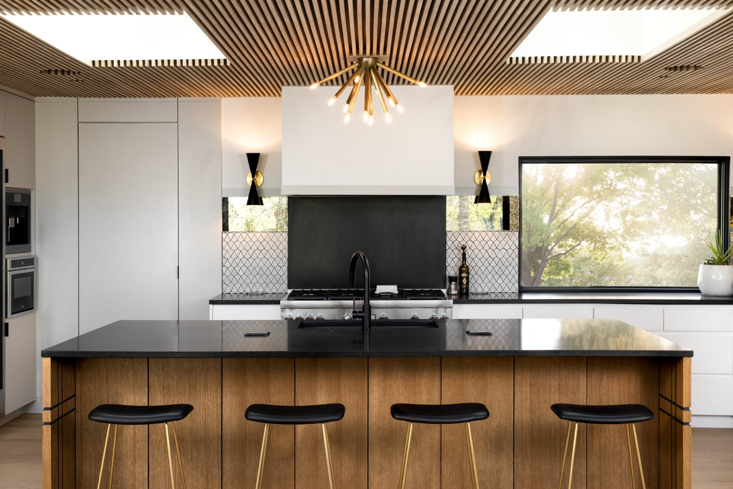 Kitchen by Maestri Studio.